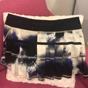 "Lululemon ""Milky Way"" pacesetter skirt"